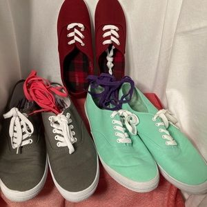 3 Pairs Sneakers 9.5 Burgundy Mint Grey + Laces